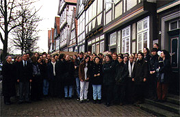 70 students studying the synagogue in Celle