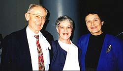 Naomi Feuchtwanger-Sarig, recipient of the 1999 Mordechai Narkiss Prize, togather with Prof. Narkiss and Dr. Cohen-Mushlin
