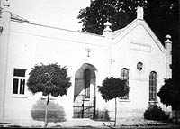 Archival photograph of the synagogue in Daruvar